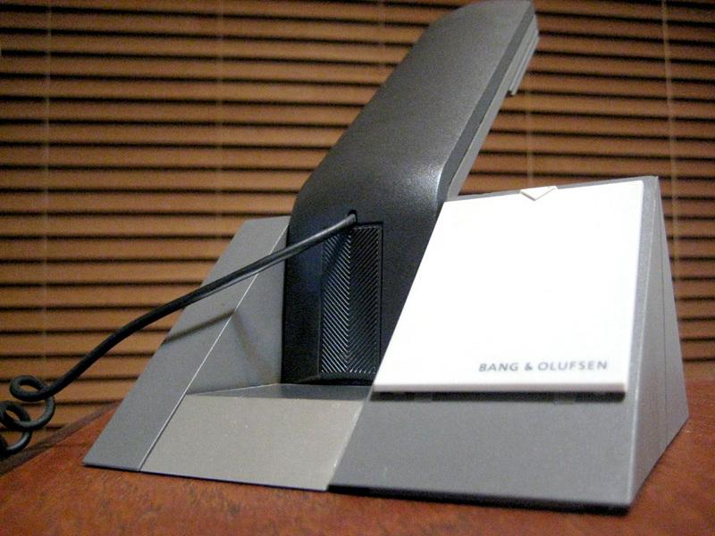 BANG & OLUFSEN BeoCom 1401。洗練されたデザインでクラシック化された名作。