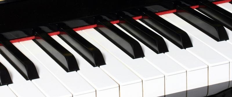 古く眠っていたピアノの調律。