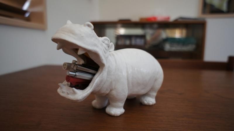 Hungry hippo。カバのペンスタンド
