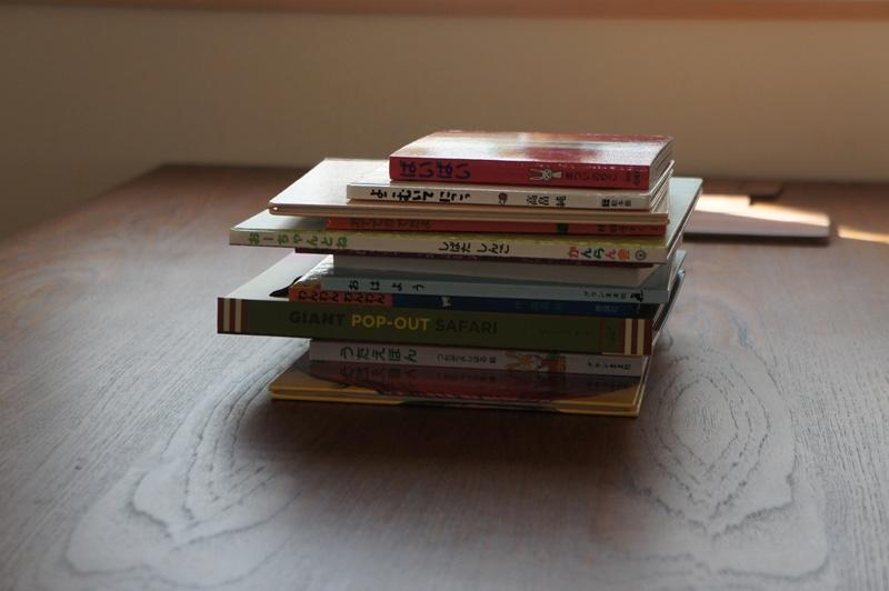 絵本、連続読み。